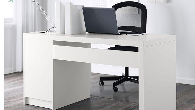 ikea malm schreibtisch die solide ausstattung f r das. Black Bedroom Furniture Sets. Home Design Ideas